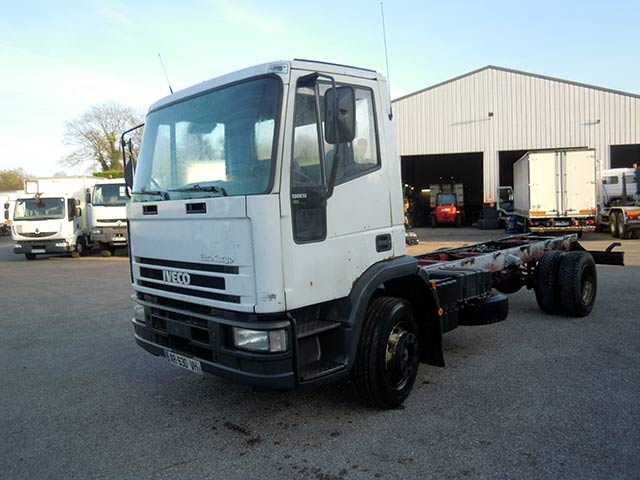 Photo Iveco 130e18 carrossable 6.10 m