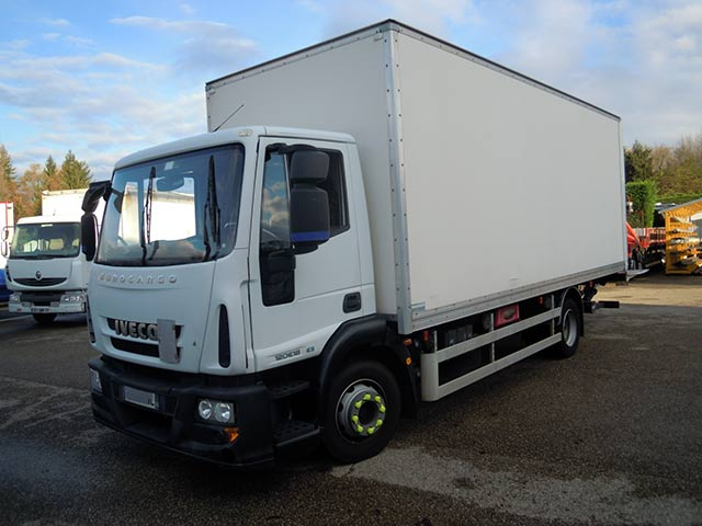 Photo Iveco 120e18 climatisation hayon 1T5 arrets de rolls