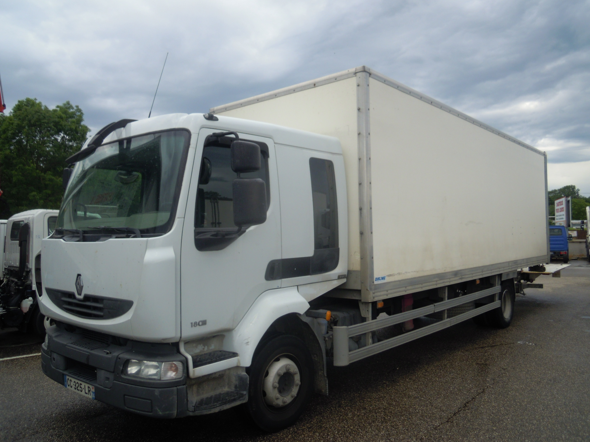 Photo RENAULT MIDLUM 180.13