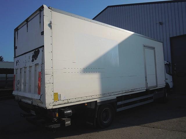 camion mercedes atego 12 18 d 39 occasion 736. Black Bedroom Furniture Sets. Home Design Ideas