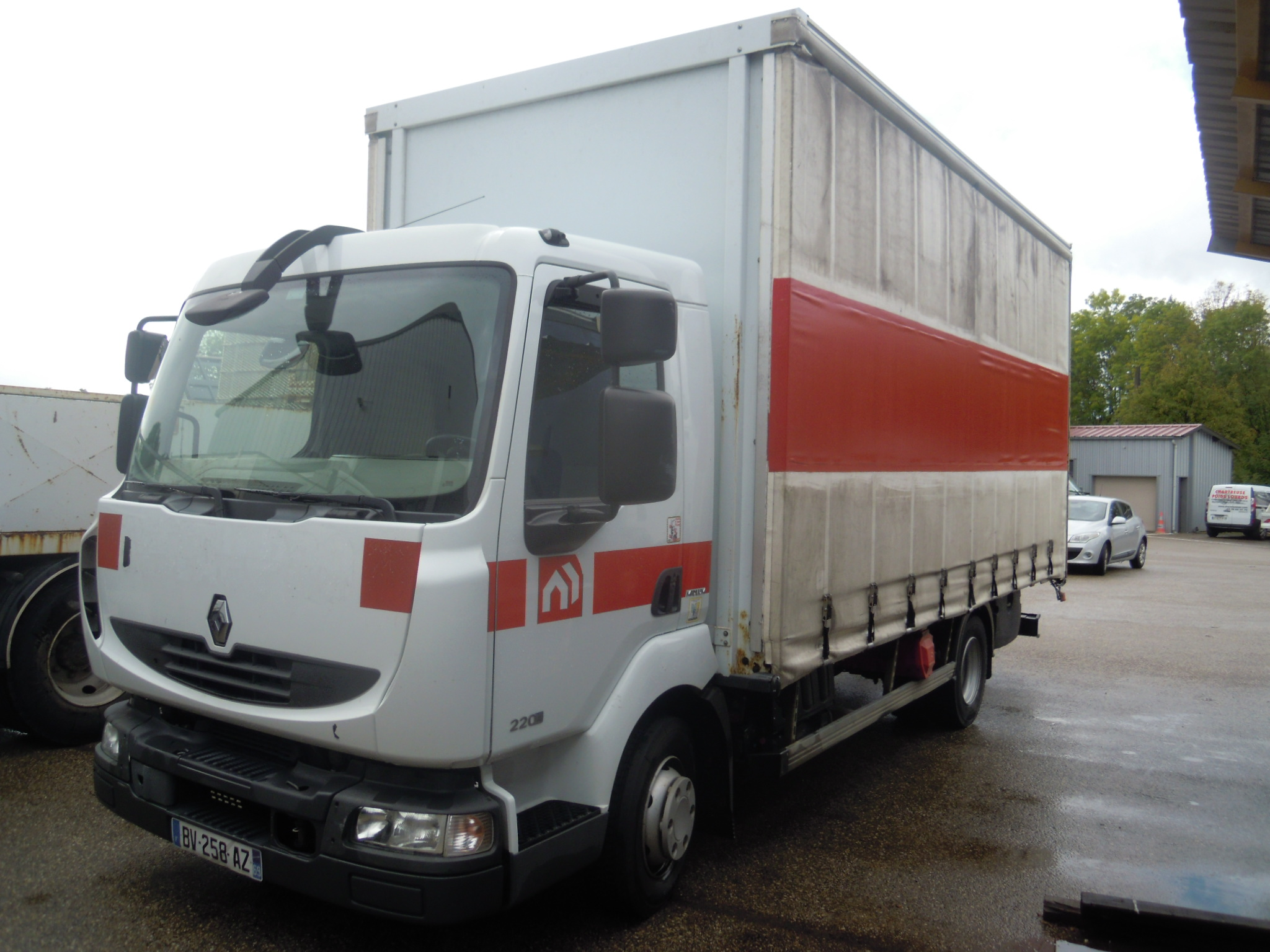 Photo RENAULT MIDLUM 220.12