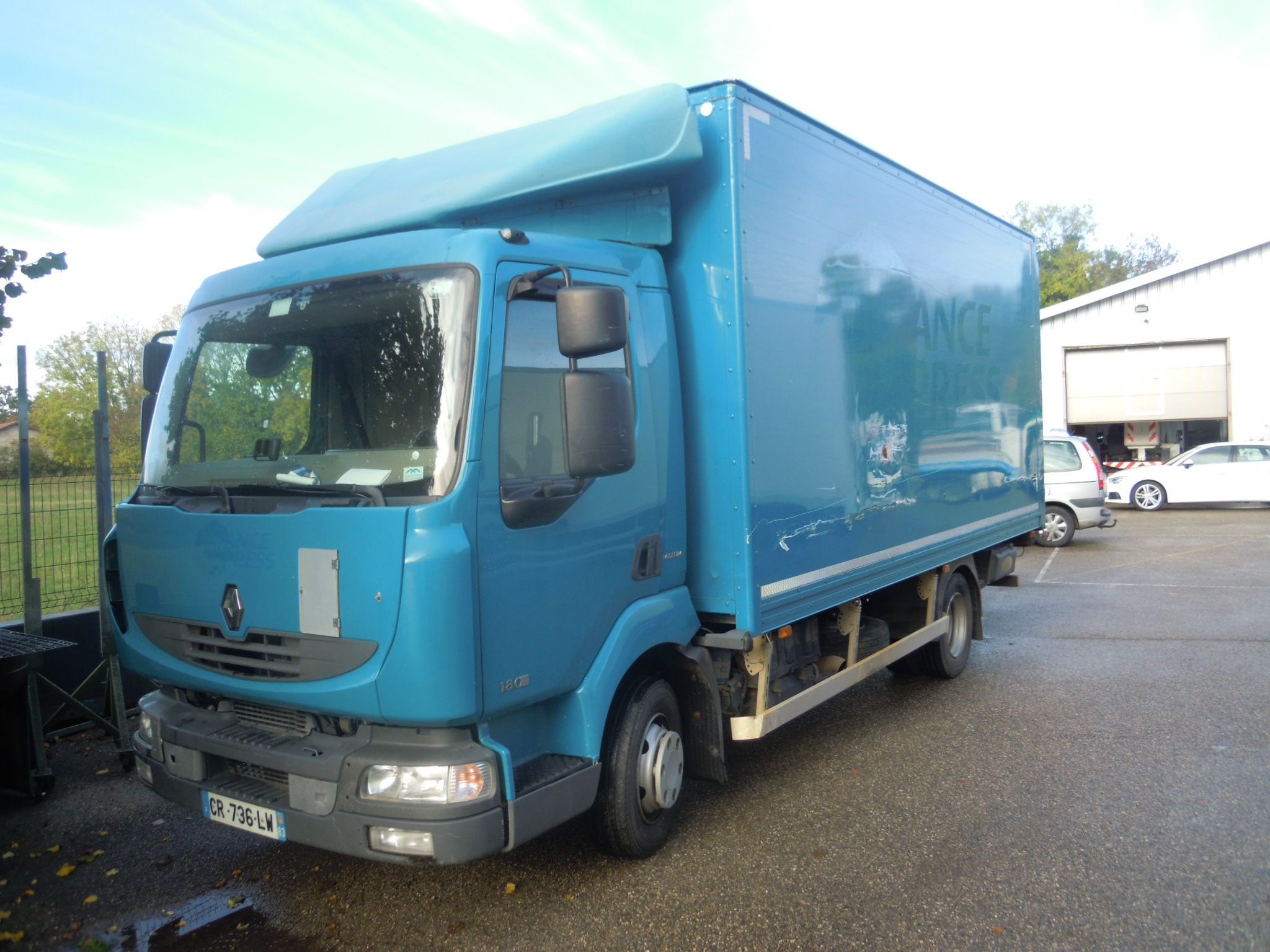 Photo RENAULT MIDLUM 180.08